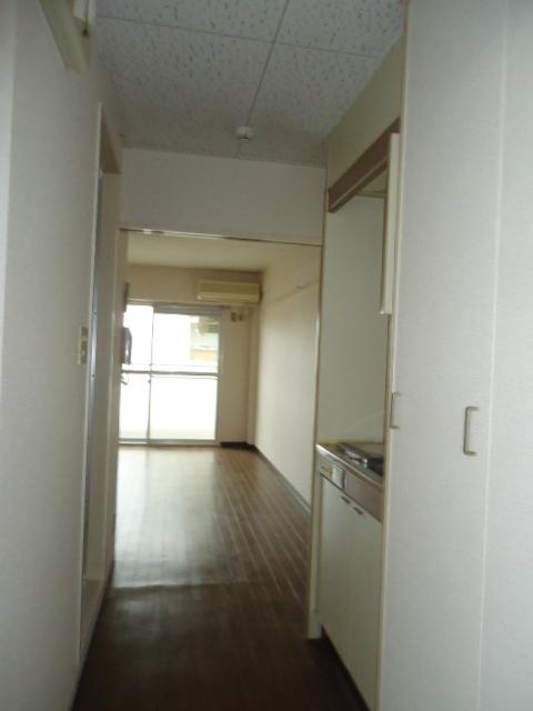 アーバンハイツNY 302号室の玄関