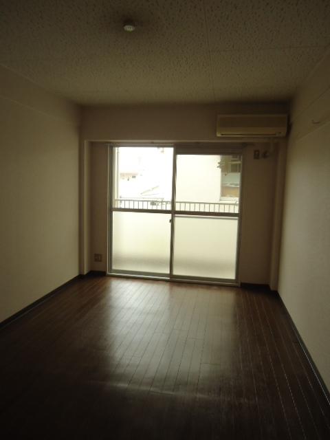 アーバンハイツNY 302号室のベッドルーム