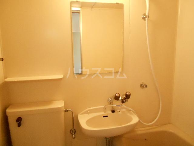 スチューデントハイツ伝馬 105号室の洗面所
