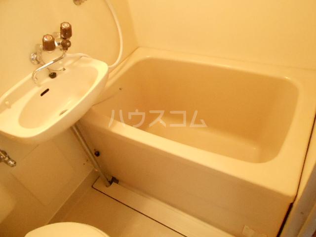 スチューデントハイツ伝馬 105号室の風呂