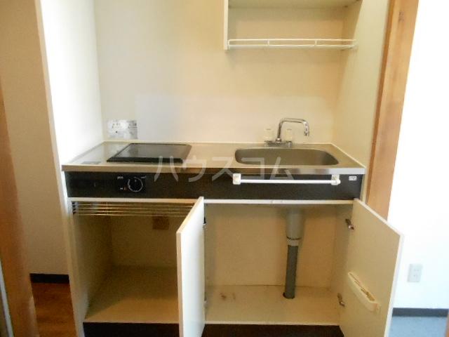 スチューデントハイツ伝馬 105号室のキッチン