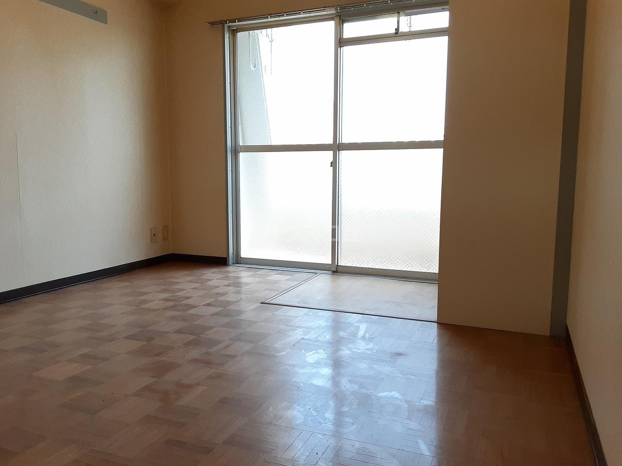 ハートイン豊岡通 4B号室のキッチン