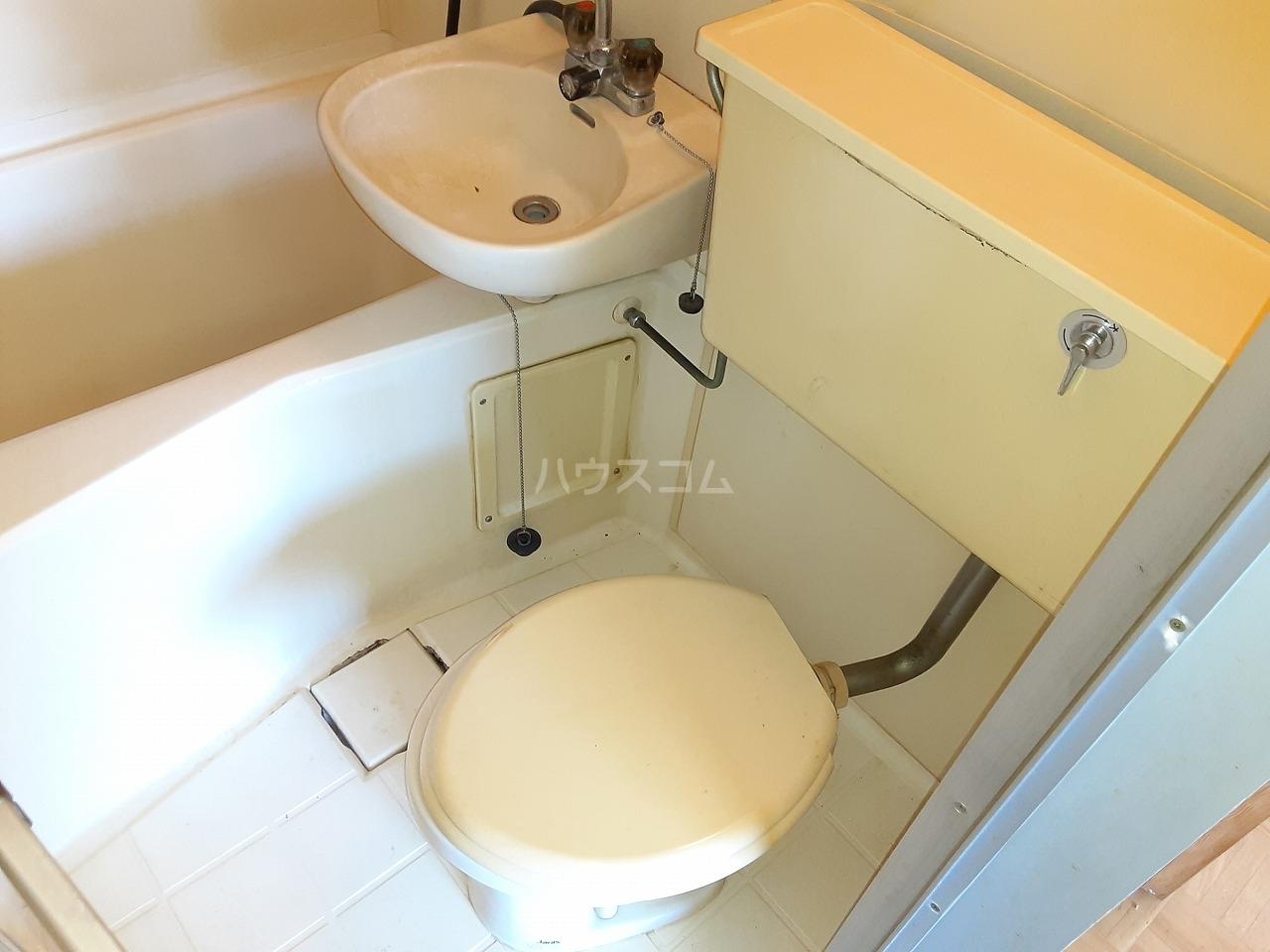 ハートイン豊岡通 4B号室の洗面所