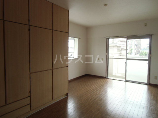 第2マンション久米 203号室の収納