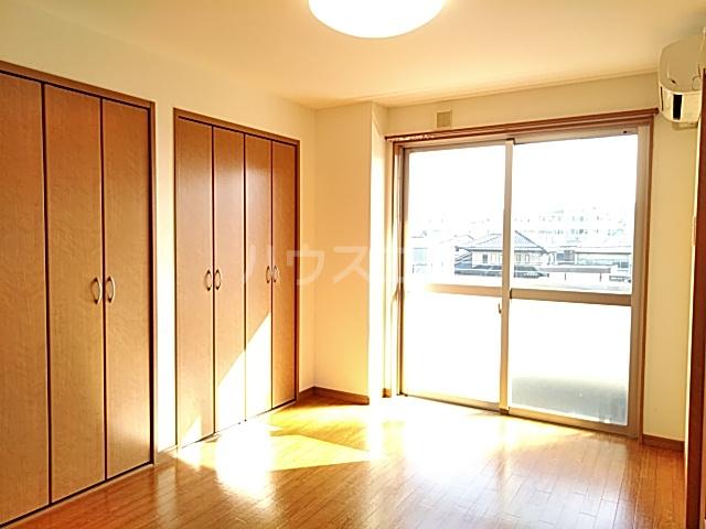 カトレア 303号室のベッドルーム