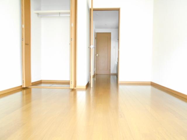 リナシメントA棟 203号室の収納