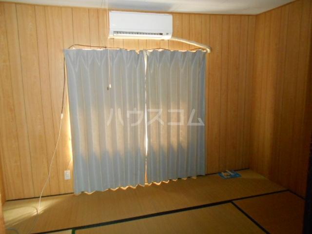 協和荘 201号室のリビング