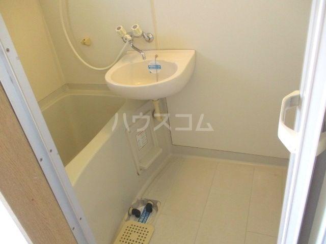 ビバリーハウス早出B 206号室の風呂
