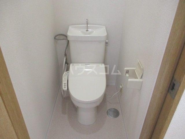 ビバリーハウス早出B 206号室のトイレ