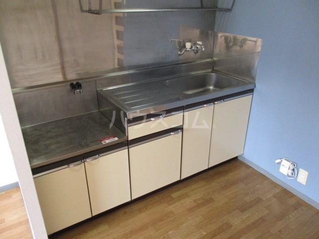プリムローズ 203号室のキッチン