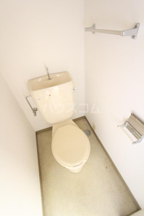 グリーンヒルズKATOH 614号室のトイレ