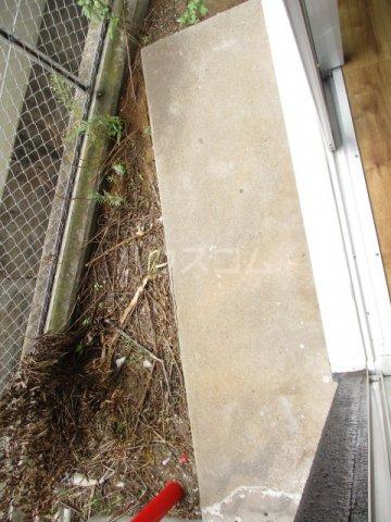 ガーデンヒル千葉寺 101号室の庭