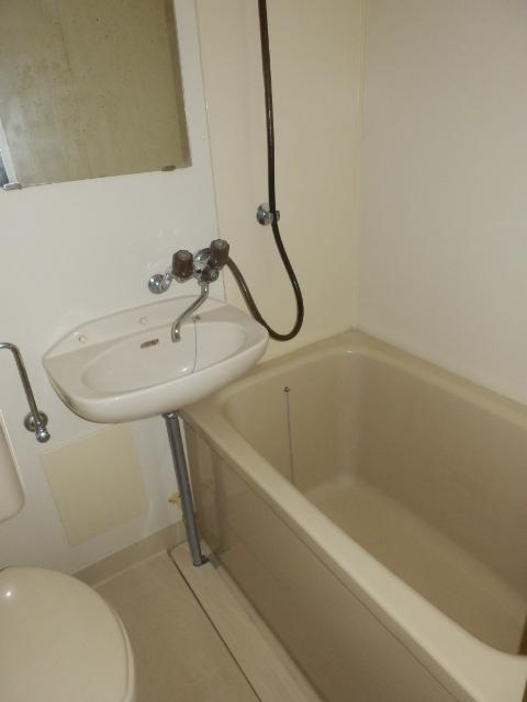 ヒルズ高坂 406号室の風呂