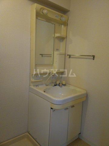 シャトーレ滝ノ水 3C号室の洗面所