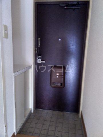 シャトーレ滝ノ水 3C号室の玄関