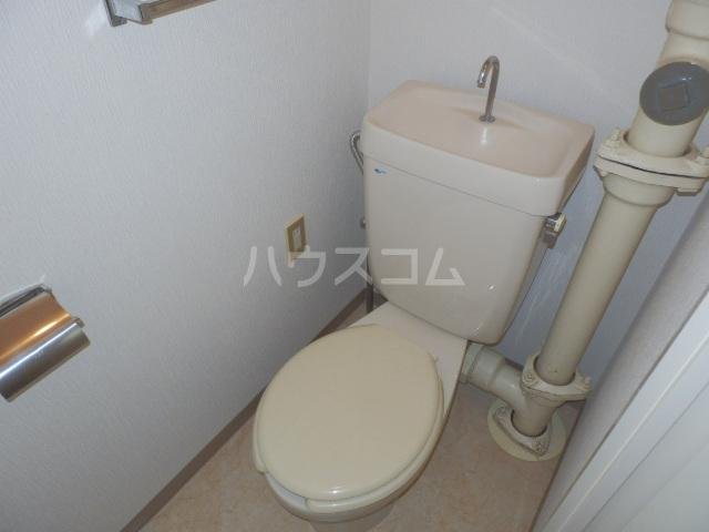 ヴィラージュ平瀬3号棟 301号室のトイレ