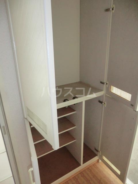 コーポヒコ 201号室の玄関