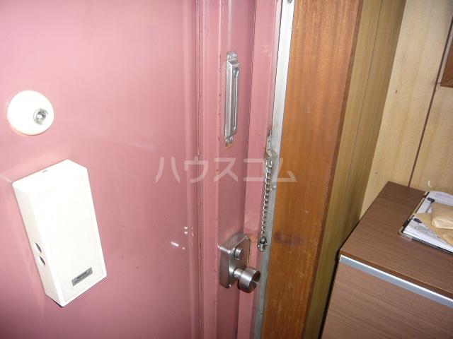 CASA IWANAMI 301号室の玄関