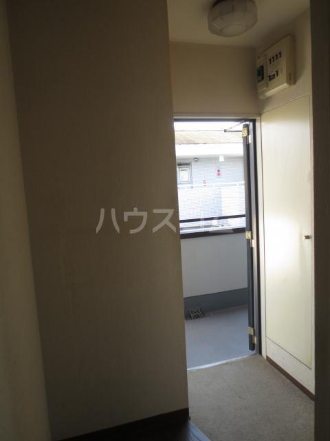 ワコーレエレガンス自由が丘 406号室の玄関