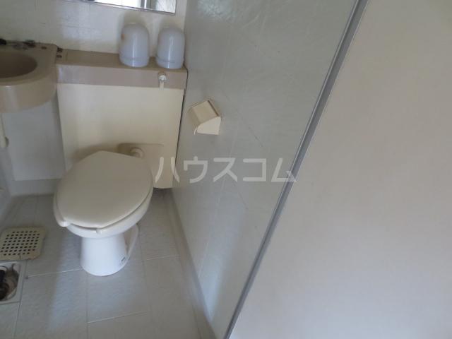 ワコーレエレガンス自由が丘 406号室のトイレ
