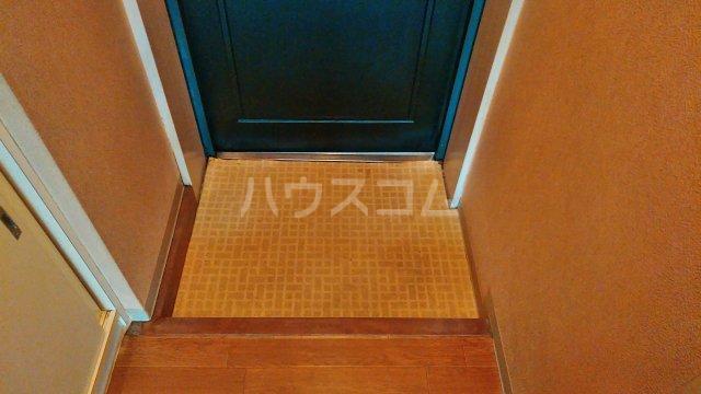 グリーンルーフ妙音 203号室の玄関