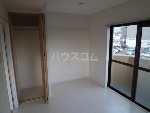 ハイツリービル 301号室の居室