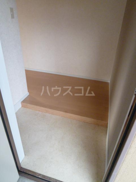 ハイツリービル 301号室の玄関