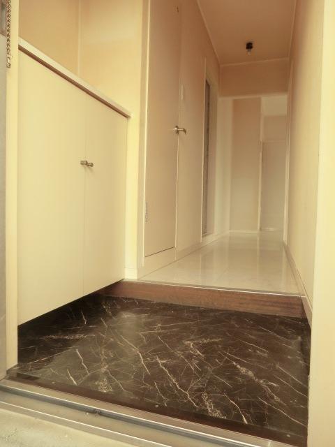 エミール1st 403号室の玄関