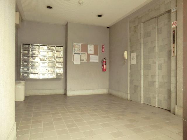 エミール1st 403号室のエントランス
