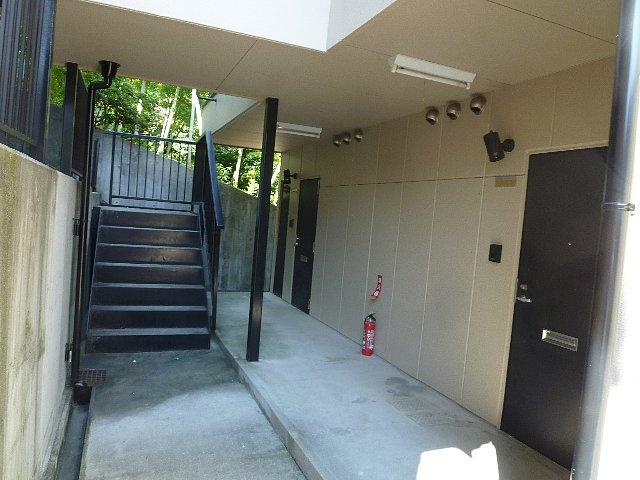 アムールプルミエ A棟 103号室のロビー