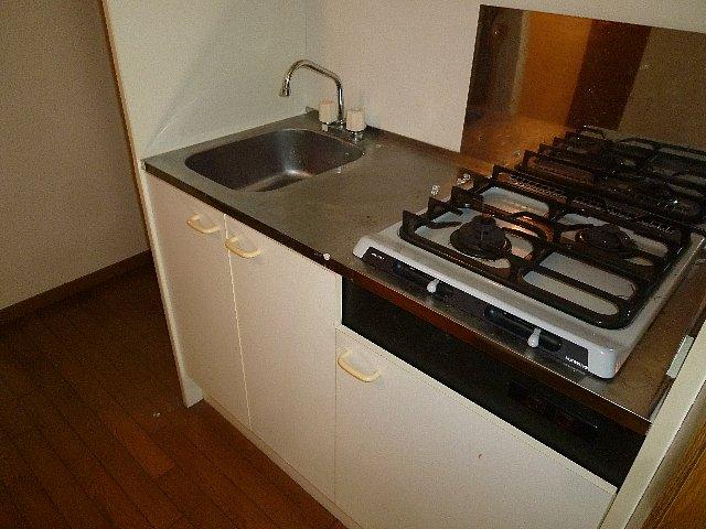 アムールプルミエ A棟 103号室のキッチン