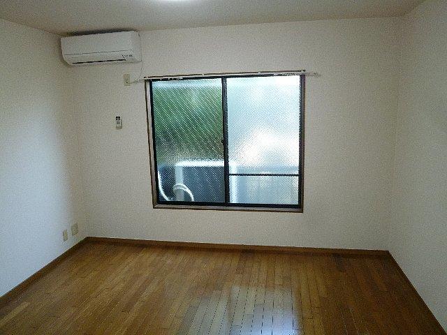 アムールプルミエ A棟 103号室のリビング