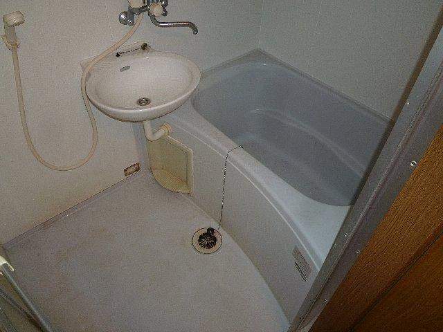 アムールプルミエ A棟 103号室の風呂