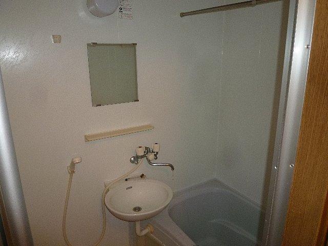 アムールプルミエ A棟 103号室の洗面所