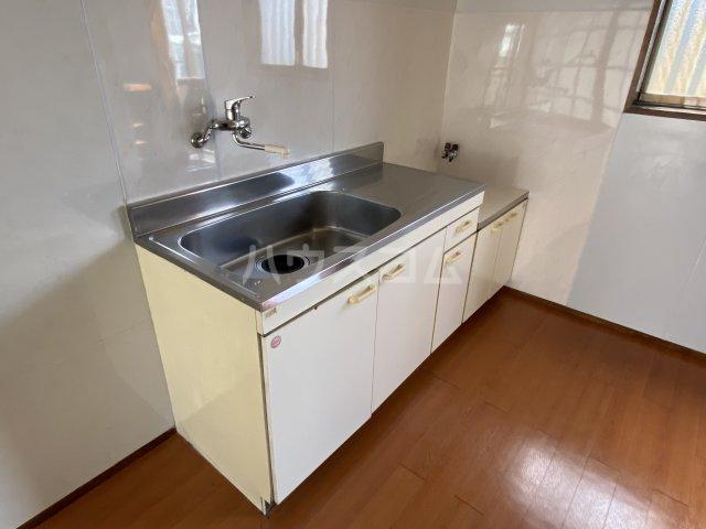 セブンハイツ 201号室のキッチン
