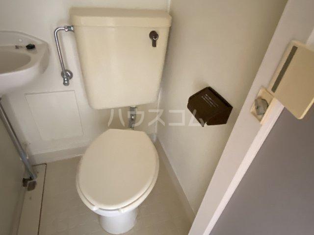 セブンハイツ 201号室のトイレ
