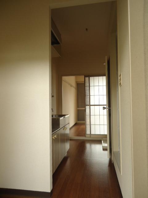 レイクヒル 202号室のベッドルーム