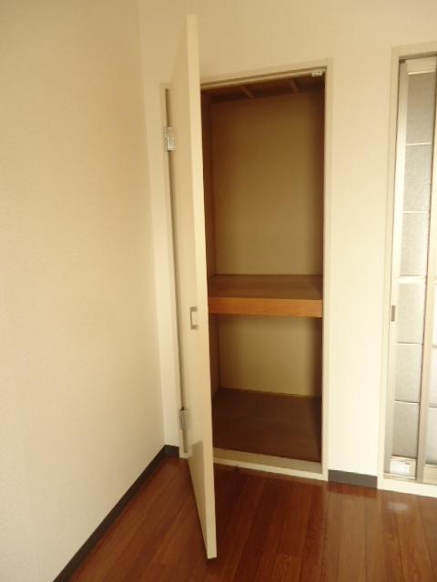 レイクヒル 202号室の玄関