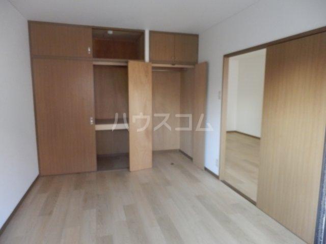 フローラ相川 206号室の居室
