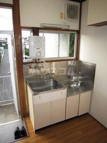 白樺荘 204号室のキッチン