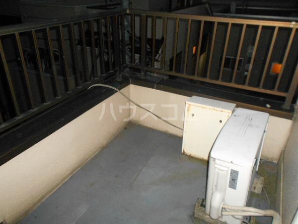 柳屋ビル 303号室のバルコニー