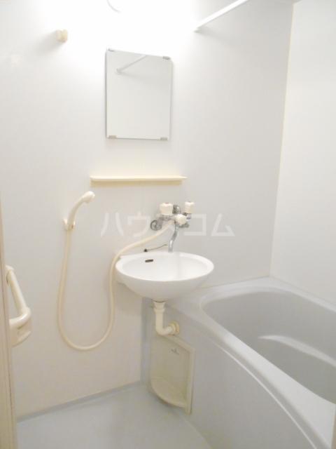 クレールN 302号室の風呂