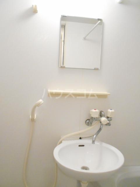 クレールN 302号室の洗面所