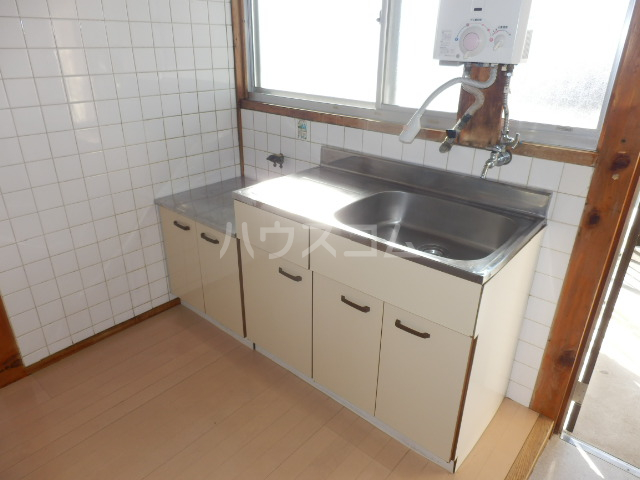 第二向陽ハイツ 105号室のキッチン