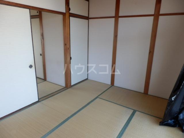 第二向陽ハイツ 105号室の居室