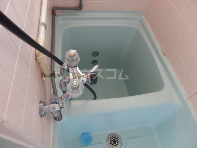 第二向陽ハイツ 105号室の風呂