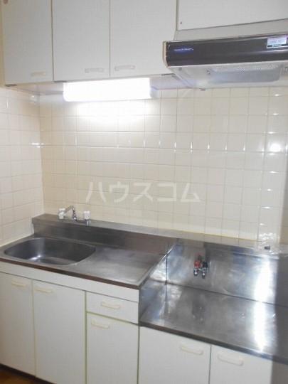 セリーヌ三軒茶屋 202号室のキッチン