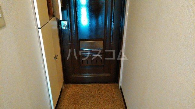 伊藤ハイツ 102号室の玄関
