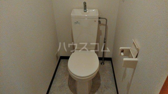 伊藤ハイツ 102号室のトイレ
