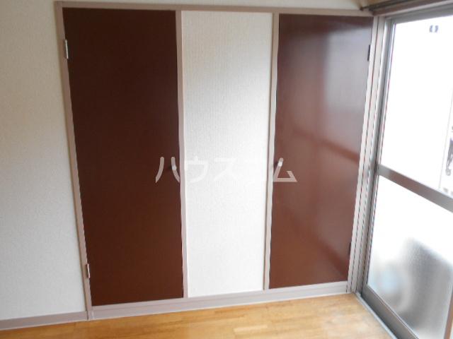 グロリアハイツ 205号室の収納